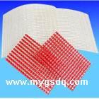 电工用树脂浸渍玻璃纤维网格是采用无碱增强玻璃纤维粗纱经特殊工艺编织成网,再浸渍环氧树脂后烘焙而成。用于树脂浇注类电器产品中,起增强定位作用。